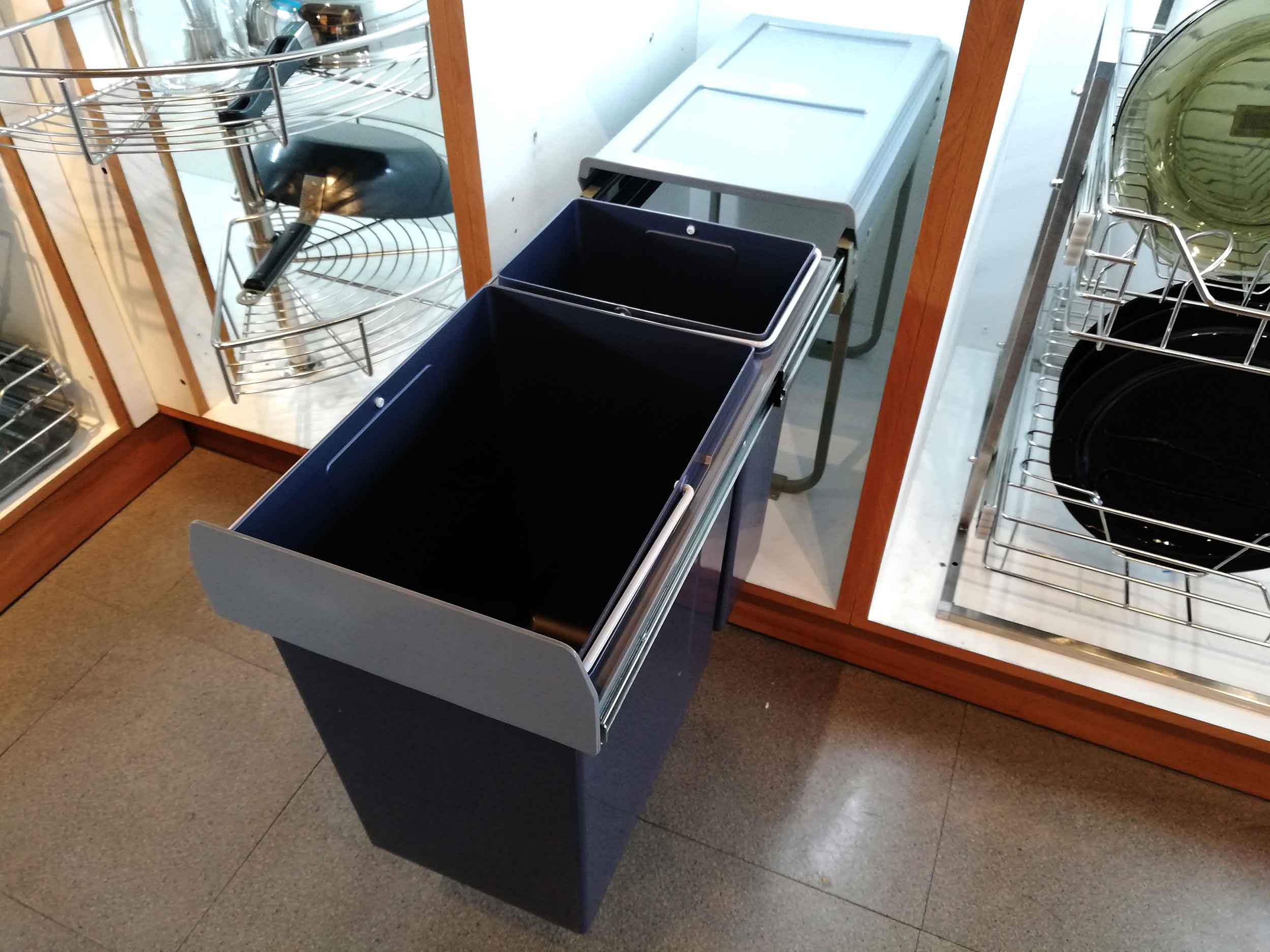 Rosette-Italia-Pull-Out-Imported-Waste-Bin